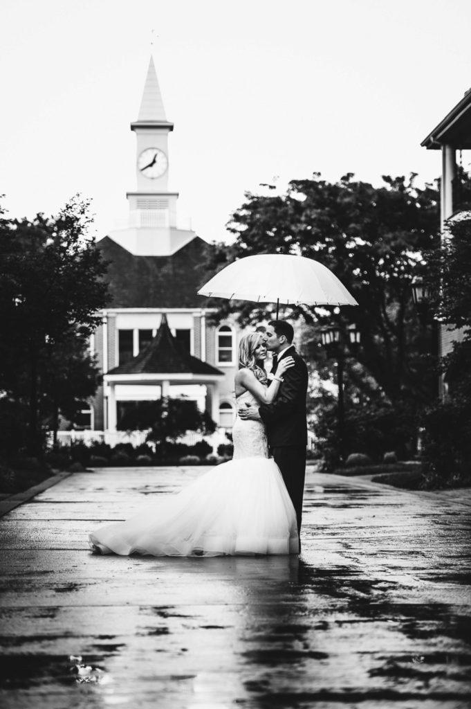 rainy day wedding photos